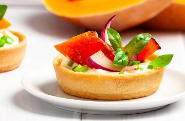 "«Salad"" Tartlet with pumpkin and cream chees"