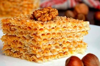 Вафельный торт с орехами