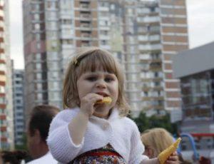 10-samii_bolshoi_tort_v_ukraine_ot_lekorna