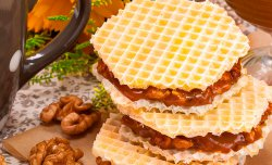 Sweet wafer sandwich