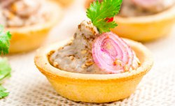 Crusty Tartlet with mashed eggplant