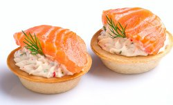 Tartlet with a salmon and cheese