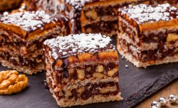"Wafer cake ""Hazelnut brittle"""