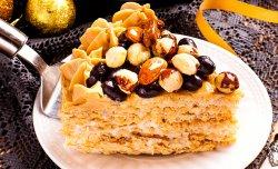 Торт со сгущенным молоком и орехами