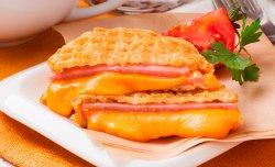 Утренний горячий бутерброд